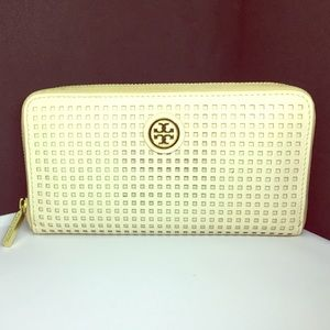 Tory Burch Robinson Perforated Continental Wallet